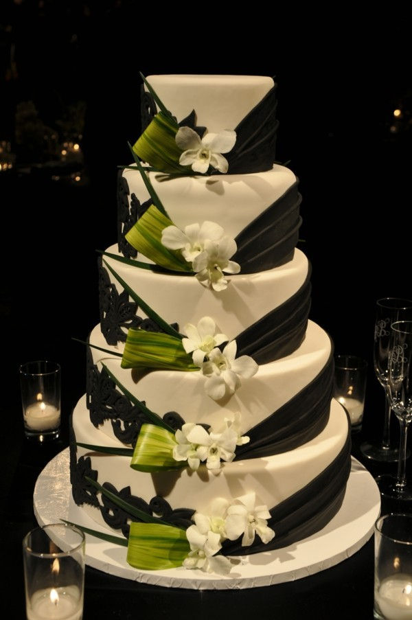 green black wedding cakes