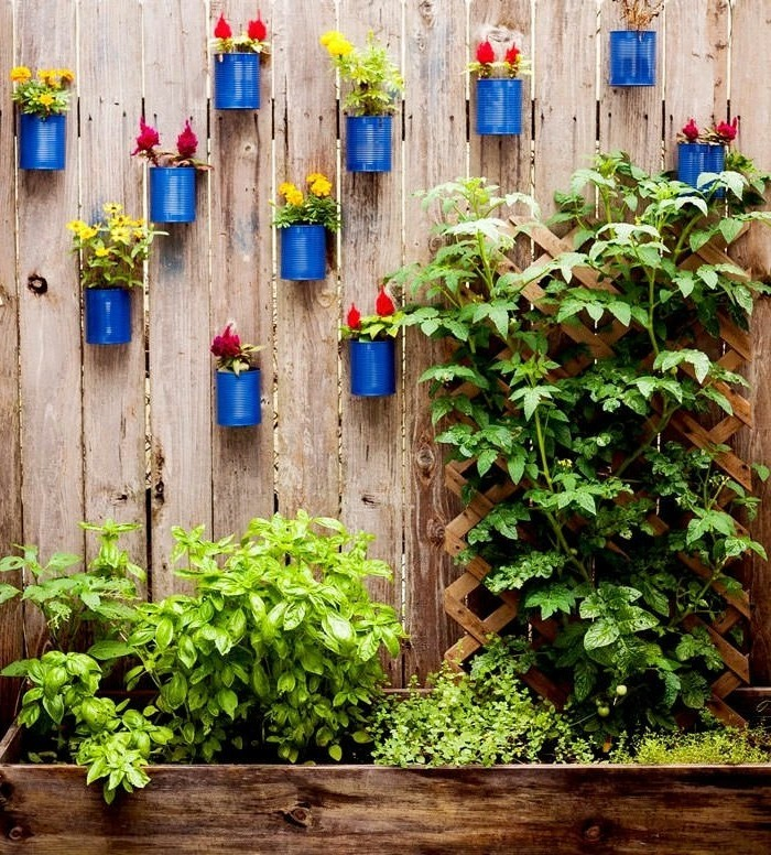Garden decor itself make the garden fence decorate with old sockets