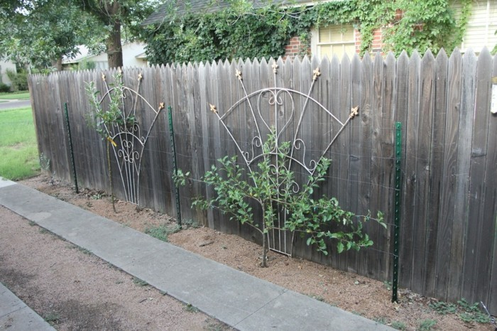 gardening ideas with trellis garden fence decorating with plants