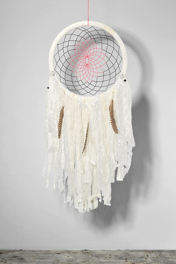 Dreamcatcher make your own white feathers