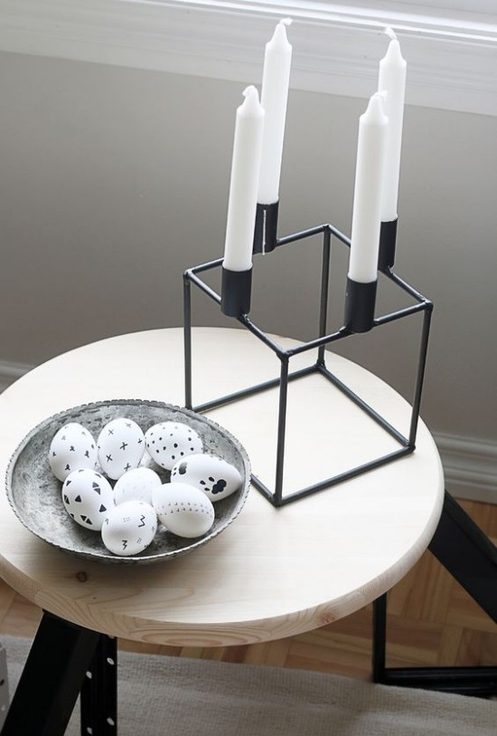Minimalist table decoration Easter black and white
