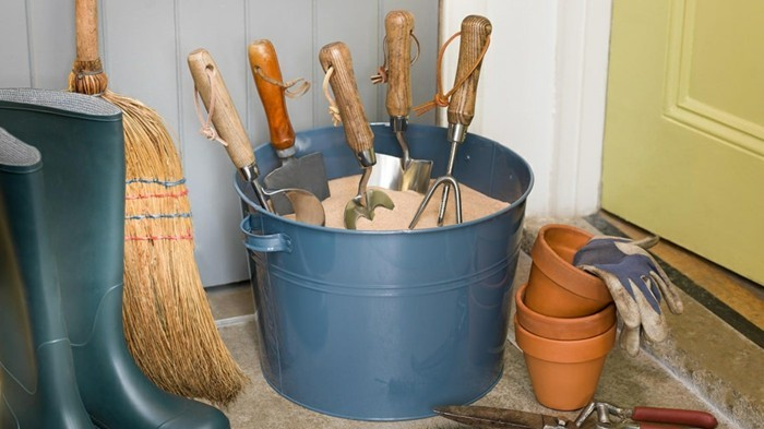 Ideas for the garden protect the garden accessories from rust