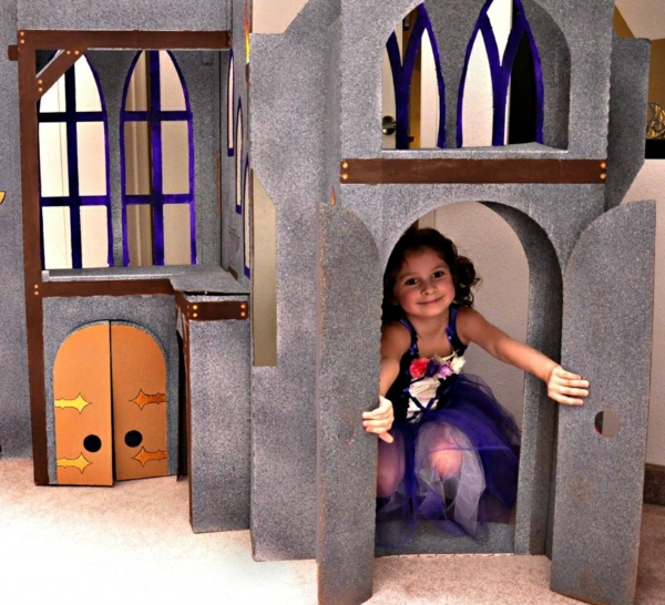 children's room deco playhouse cardboard