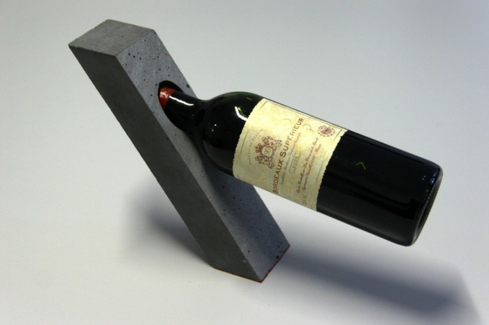 Wine holder made of concrete stable