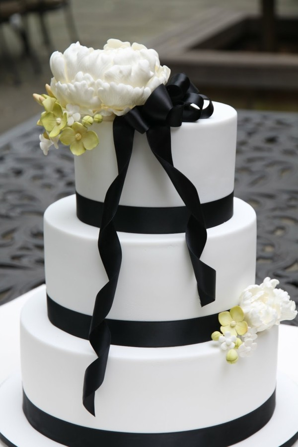 flowers ornaments wedding cakes
