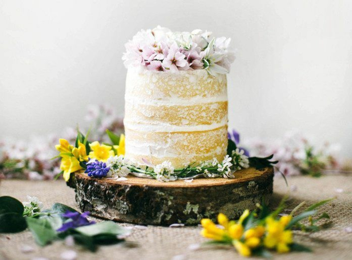 real-flowers-small-pie-in-boho-style