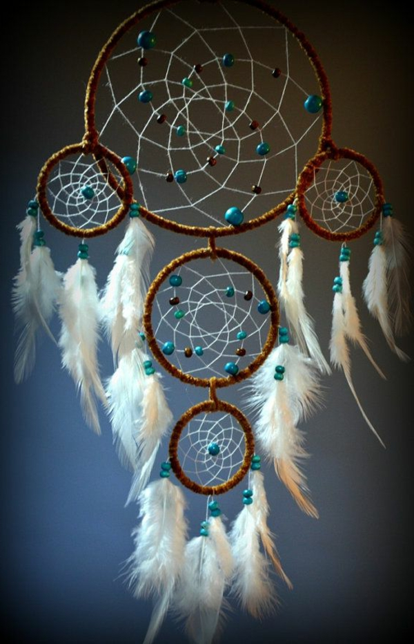 dream catcher make pearls white feathers