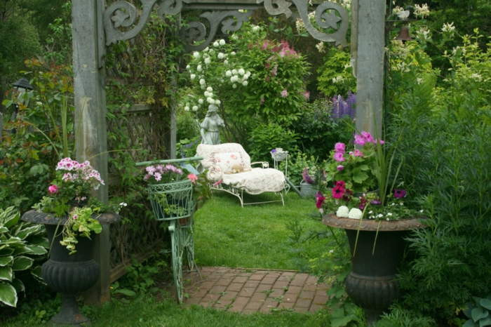 garden ideas vintage decor garden decor plants armchairs