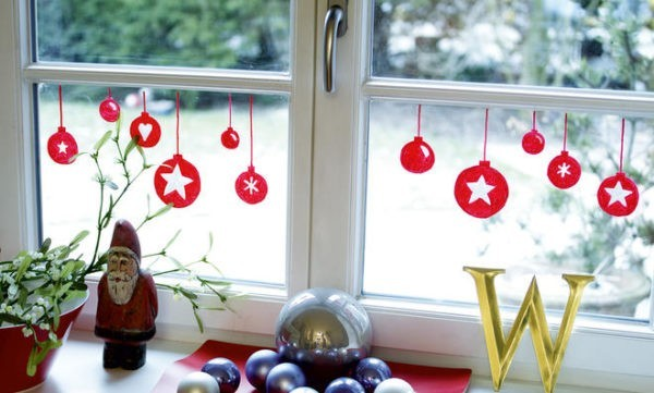 window decoration in advent painted red ball