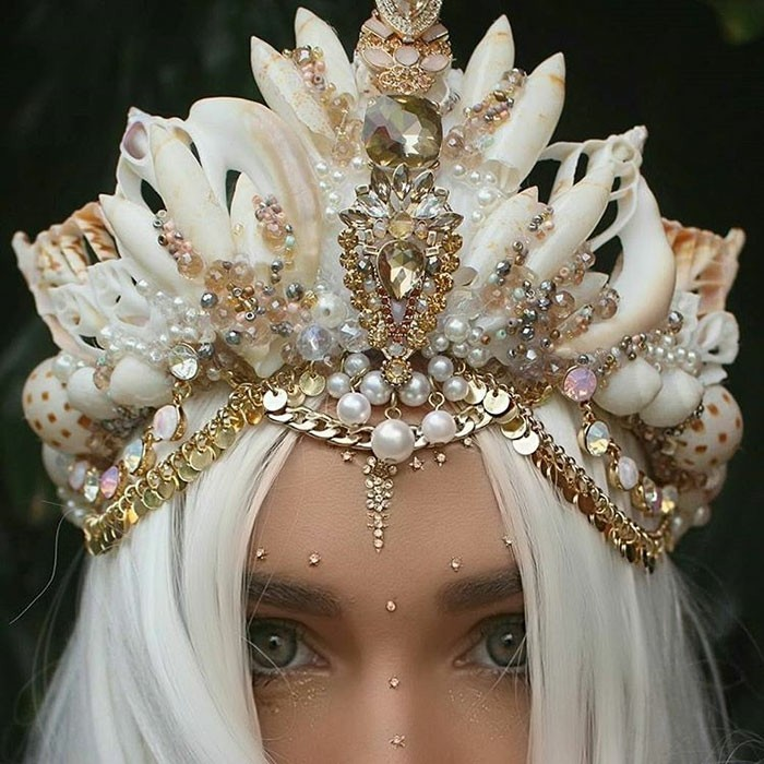 hair ornaments headdress rhinestones pearls gold shells snail shell sea finds