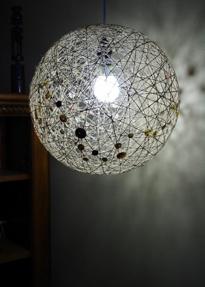 decorate the diy lamp additionally with buttons