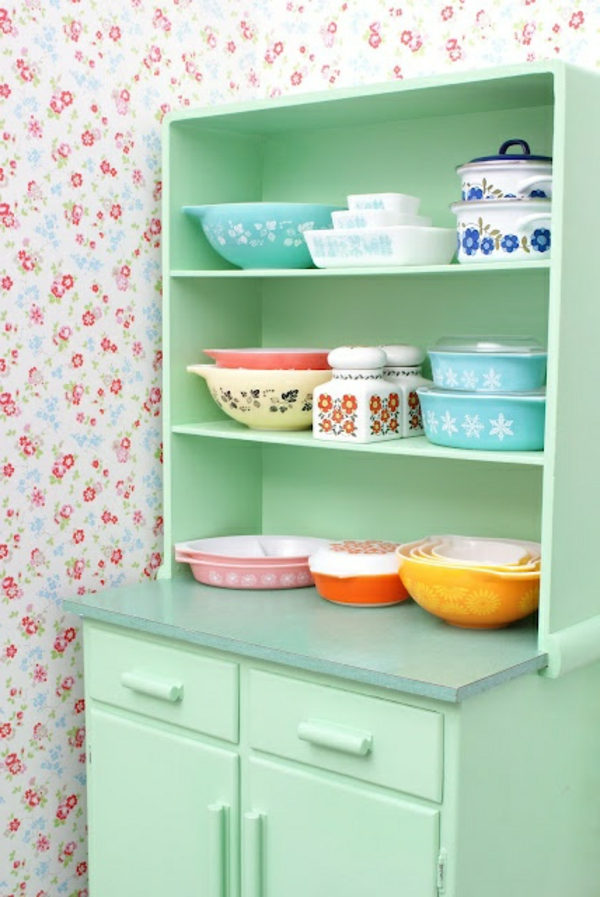 kitchen wallpaper floral motifs tableware green cupboard