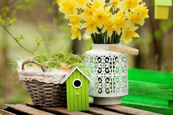 Spring decoration Easter decoration for outdoors. Daffodils