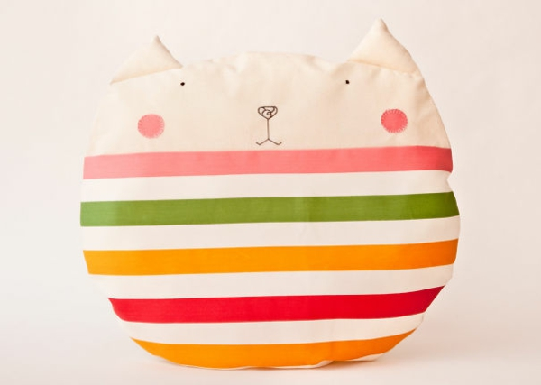 Creative-Pillow-and-pillow-kitty-stripes