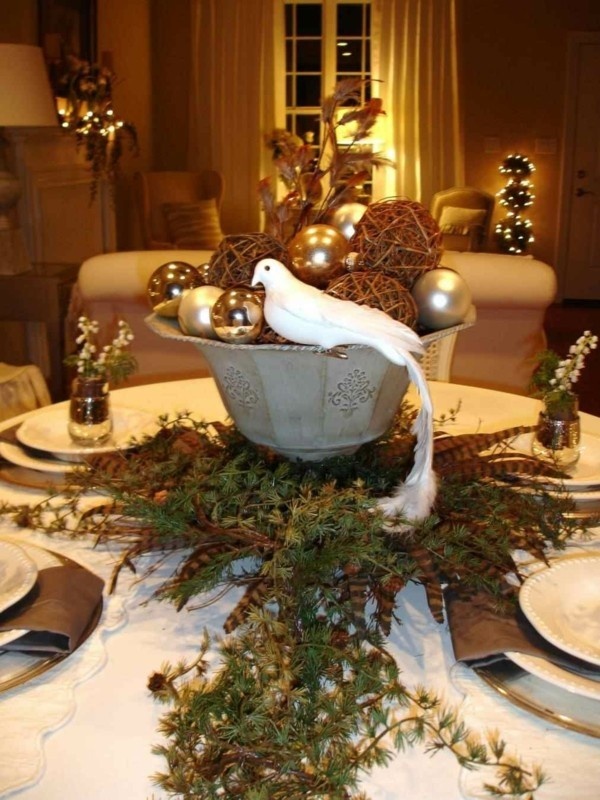 Centerpiece for the table dIY Christmas decoration