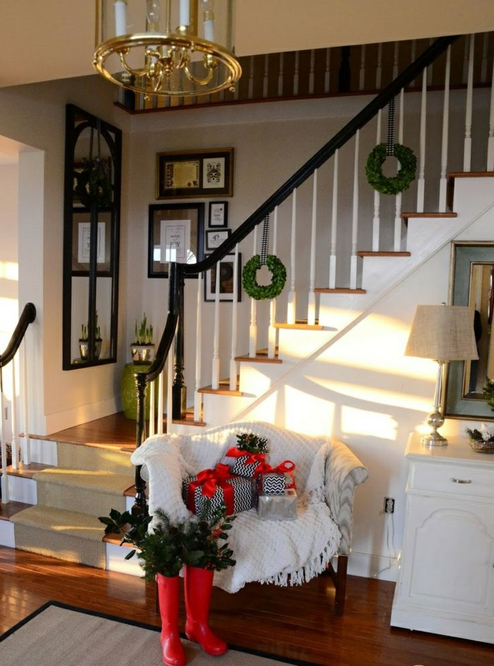staircase decorate christmas decorate deco christmas