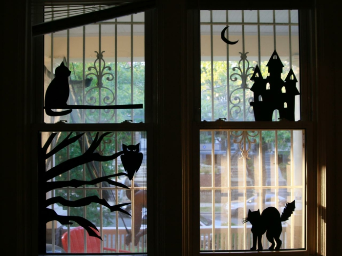 Make window pictures with children's rain paper cutting