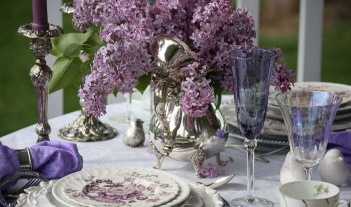 vintage table decoration with lilac