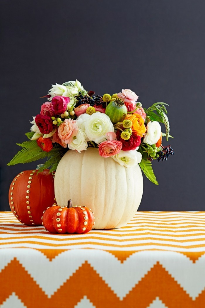 table decoration ideas for autumn in colorful colors