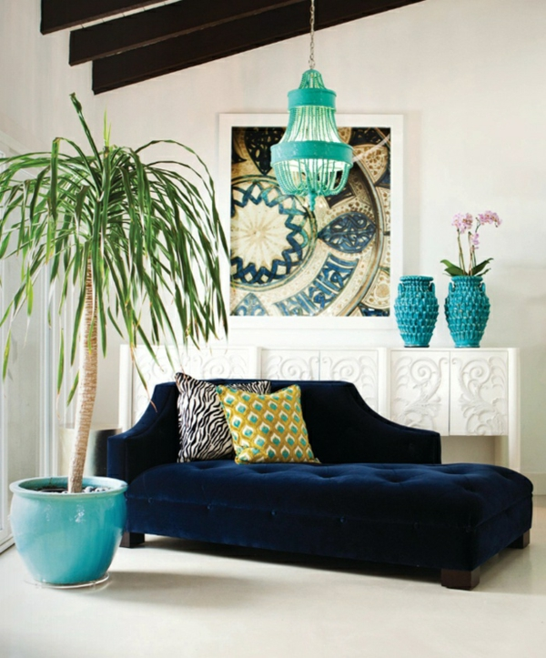 Living room decoration with plants