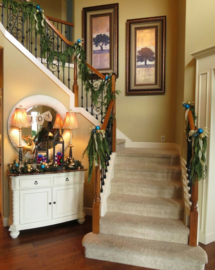 deco ideas staircase christmassy decorate christmas decoration