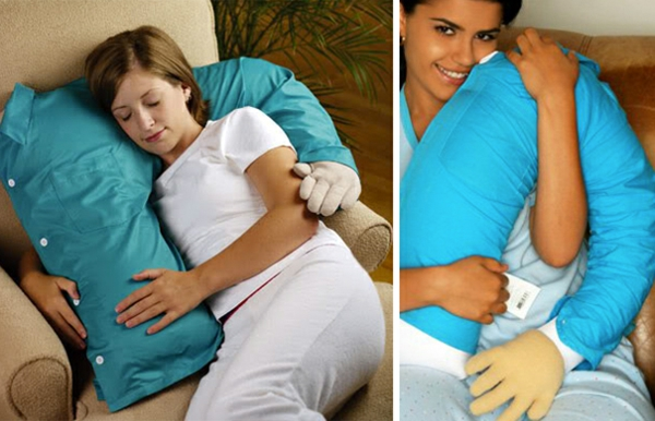 Creative-Pillow-and-pillow hug