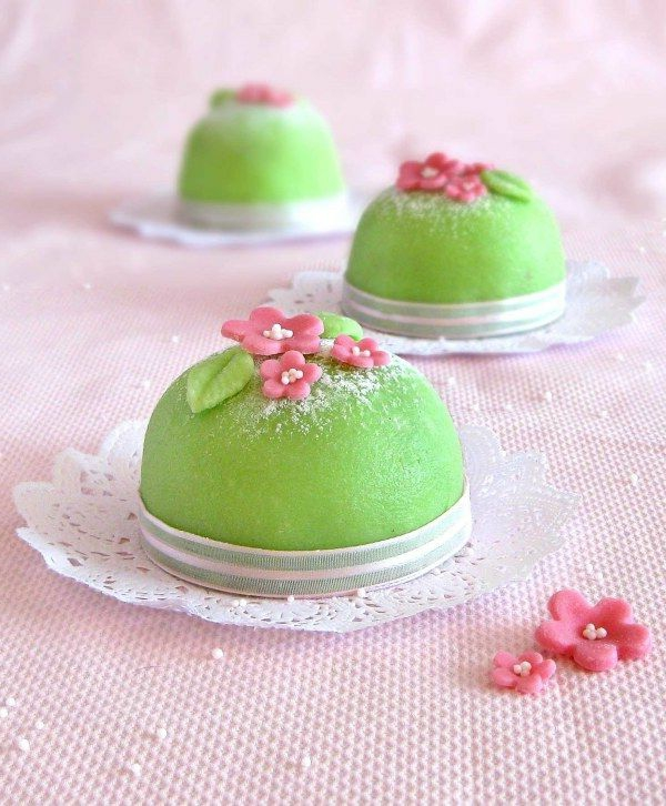 beautiful mini cake green cake