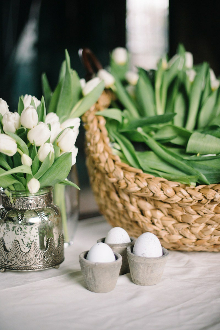 decoration easter easter eggs tulips