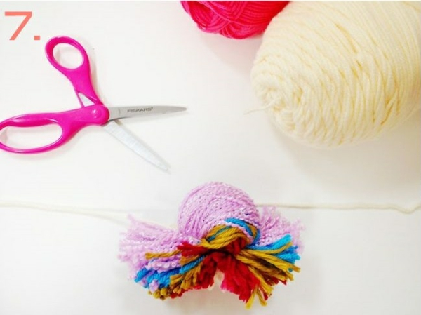 making christmas tree decorations making bommel yourself make yarn cut to size