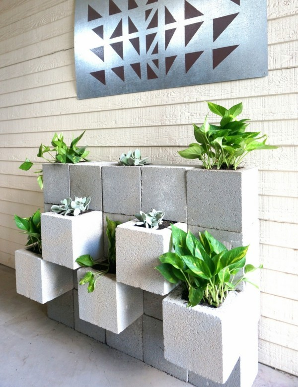 it blocks of different materailia diy planters