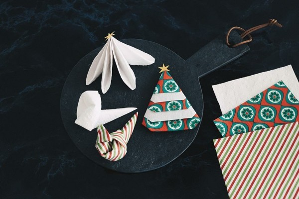 napkin folding techbnik christmas idea