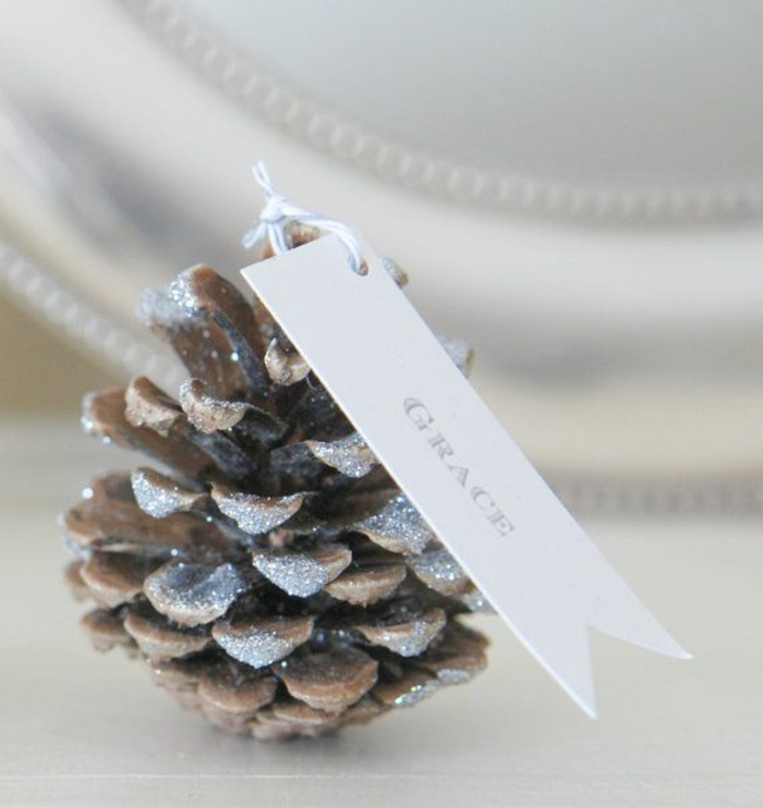 Christmas table decoration Make simple table cards yourself