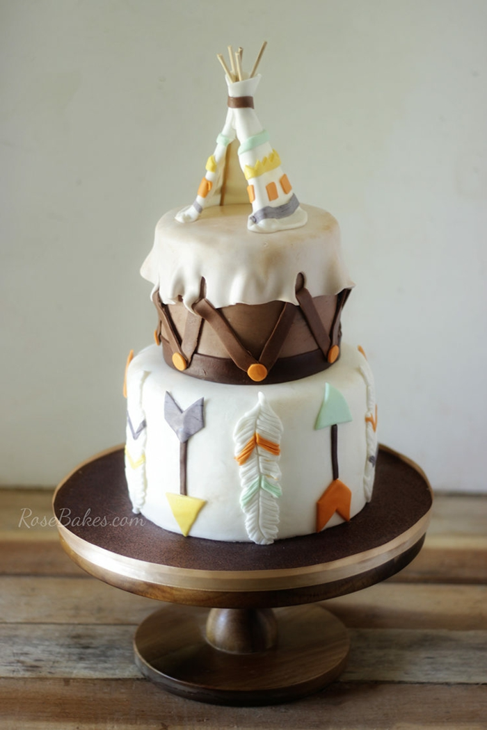 Indian tent pie in boho style fondant