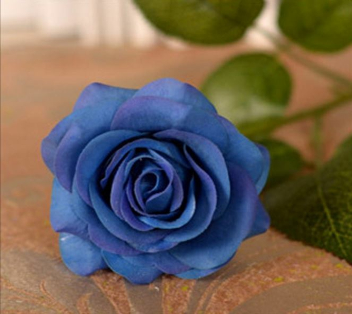 table decorations blue rose