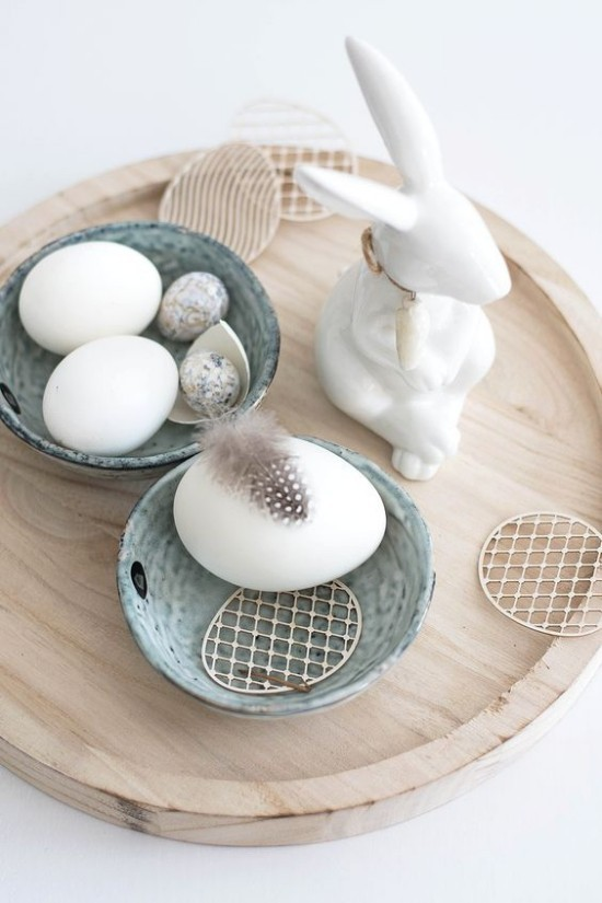 minimalist table decoration Easter white eggs bunny feather