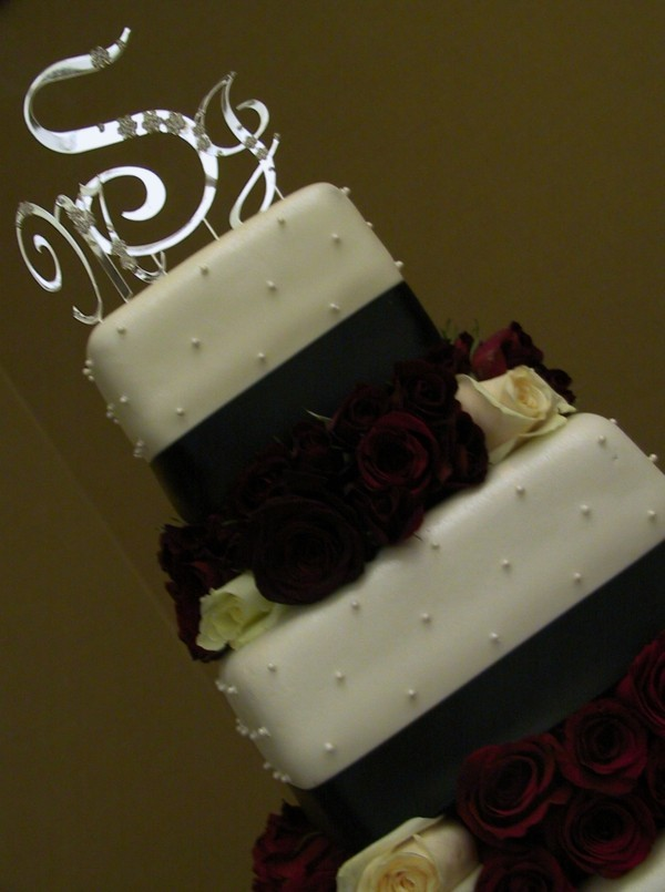 Wedding cakes delicious splendor