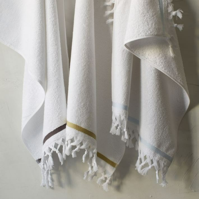 pillow design towels tassels white
