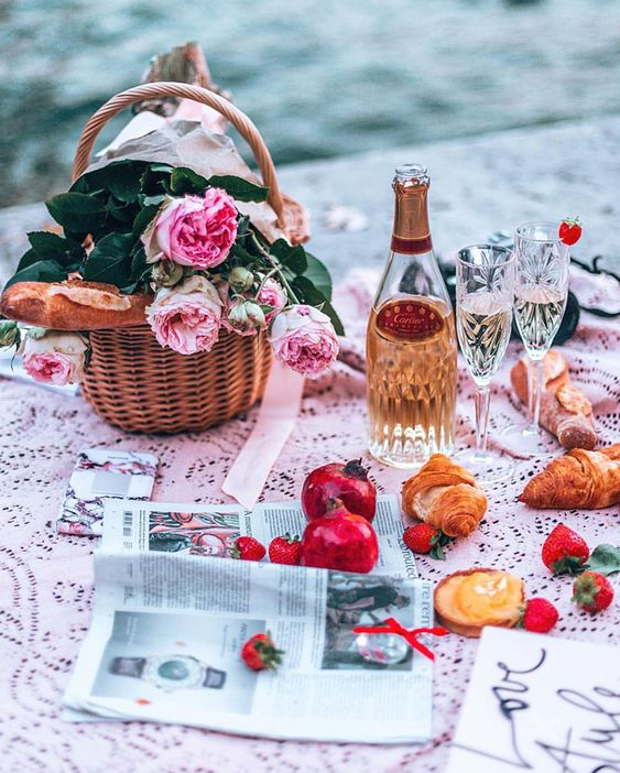Everything in pink picnic ideas