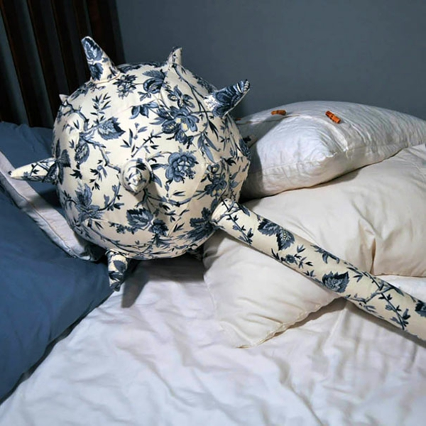 Creative-Pillow-and-pillow warrier