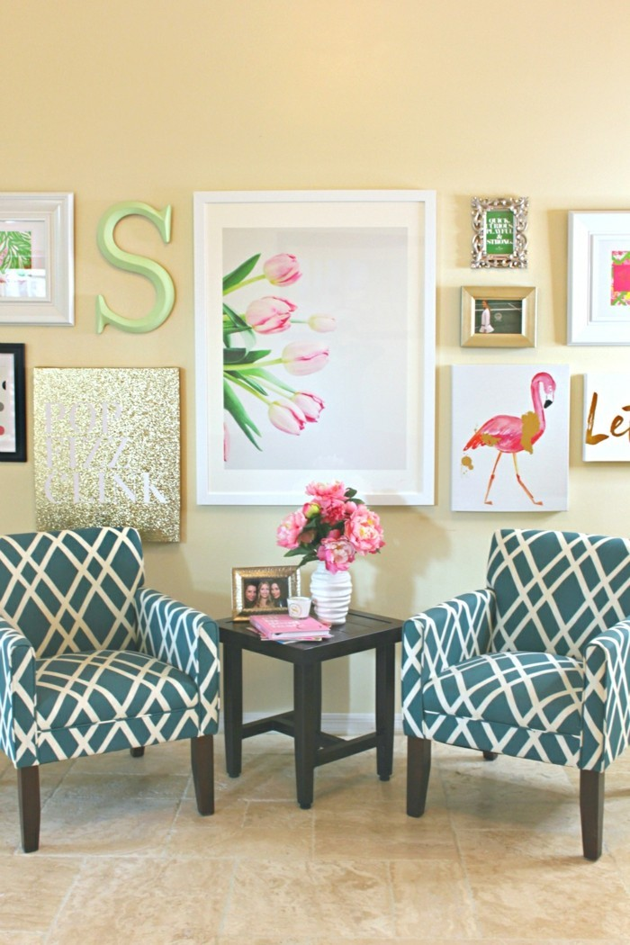 walls decorate living room flowers