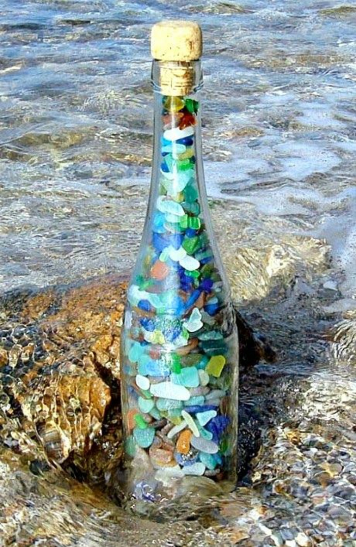 Decoration bottles fill stones colored