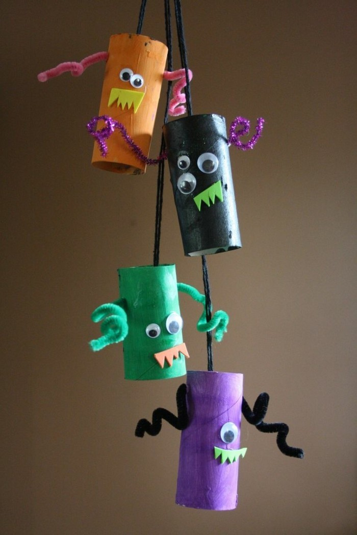 make autumn with children make autumn decoration yourself with paper towels monsters