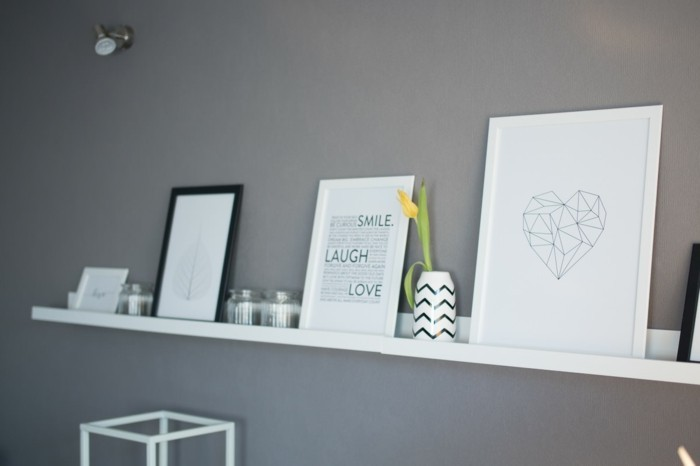 Living room picture frame decoration gray