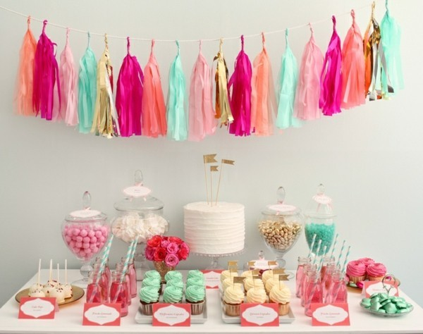 blackboard ideas colorful paper tassels cupcakes sweets
