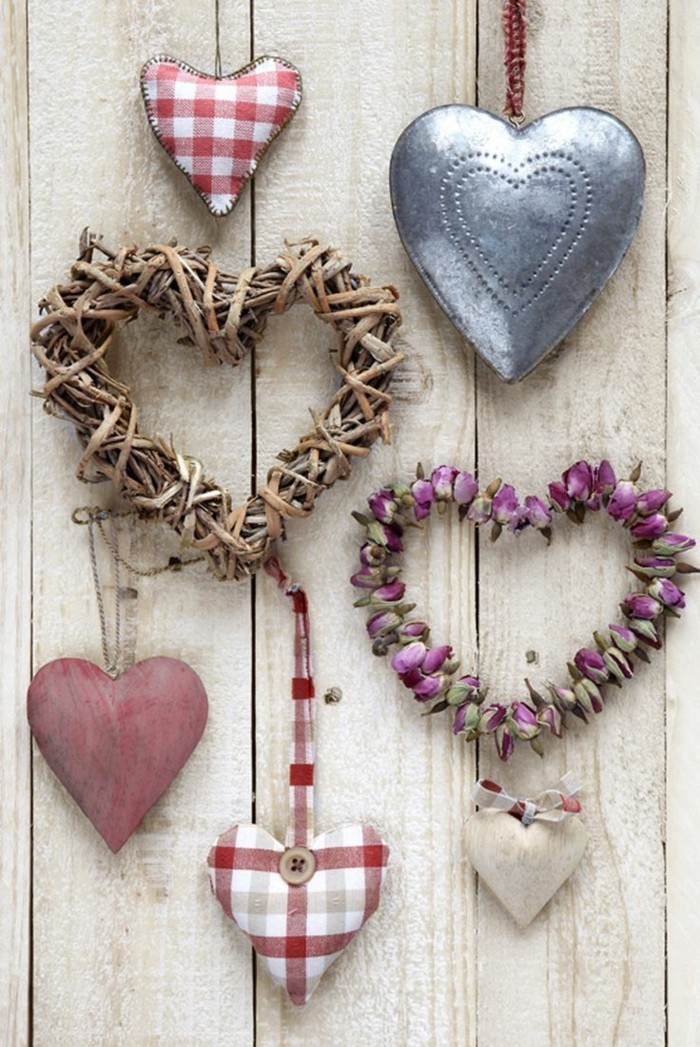 All the best for Valentine's Day Hearts wall decoration ideas
