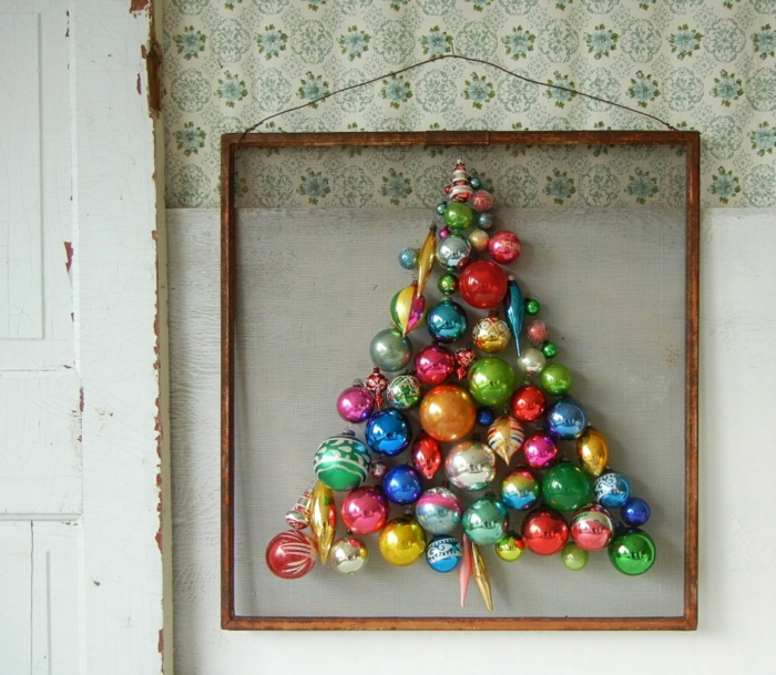 Christmas tree Artificially artificial Christmas tree test by wall picture frame Christmas decorations