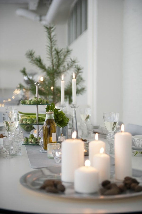 beautiful decorating white candles decorating table