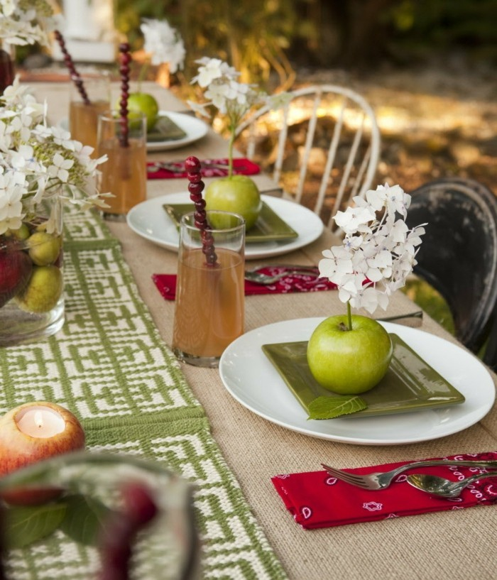 table decoration autumn with apples and fresh table runner
