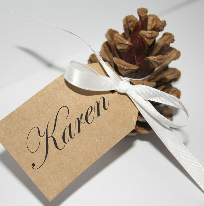christmas table decoration ideas place cards yourself making pine cones