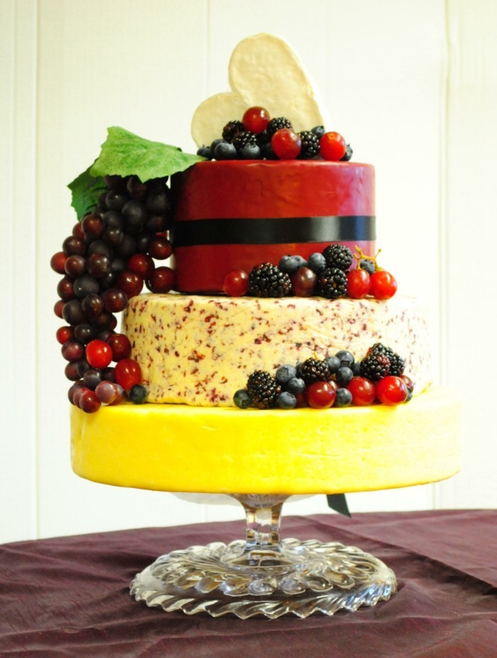 unusual wedding cakes made from cheeses